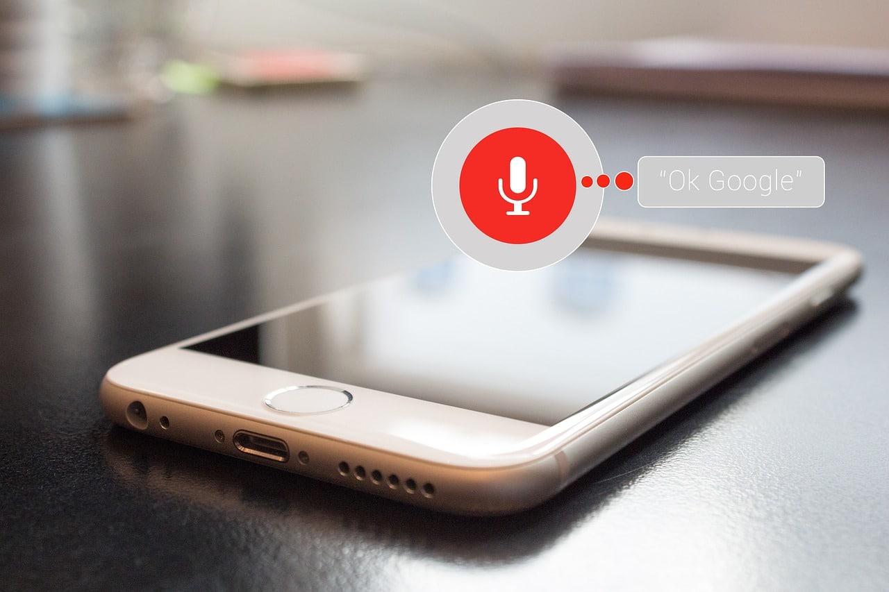 Les assistants vocaux, premiers acteurs de la recherche vocale ?